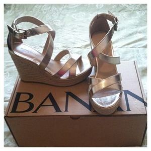 gold and raffia wedges banana republic